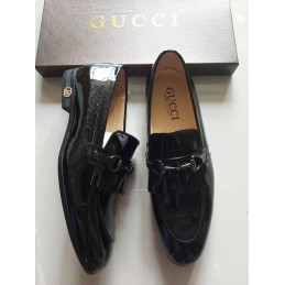 G ucci Patent leather loafers