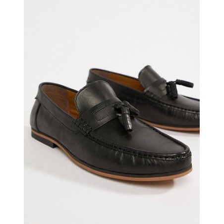 Black leather loafers with tassel
