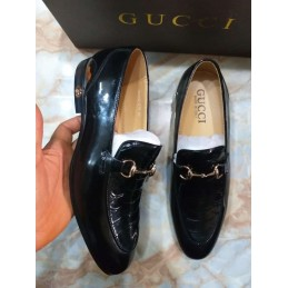 LV Patent leather shoe