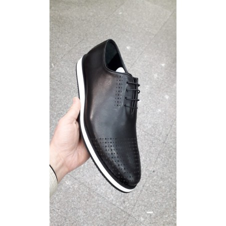 Casual leather black shoe